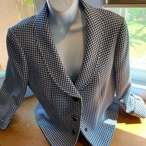 "Tahari Houndstooth, 3/4"" sleeves classy blazer."